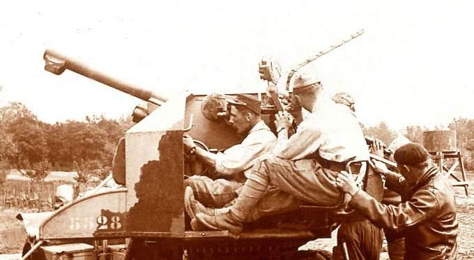 Devoir de mémoire pour nos aïeux  Auto_antiaerienne